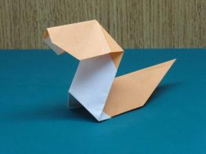 簡単な子供の蛇の折り紙11