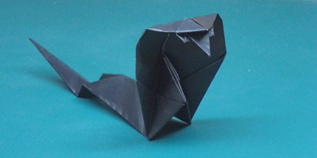 コブラの折り紙のアイキャッチ